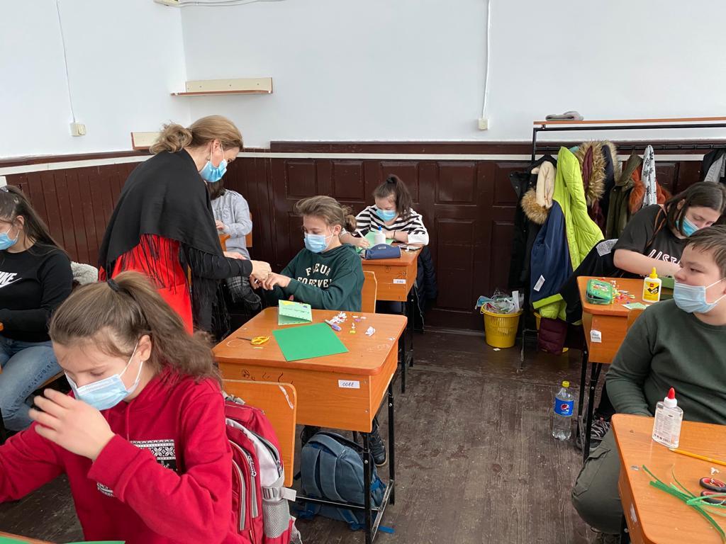 """Dotarea laboratorului de matematică din cadrul Școlii Gimnaziale """"Iulia Hălăucescu"""""""